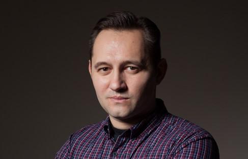 Михаил Михайлов е клиничен психиолог, психотерапевт, педагог и автор на сайта За Психичното