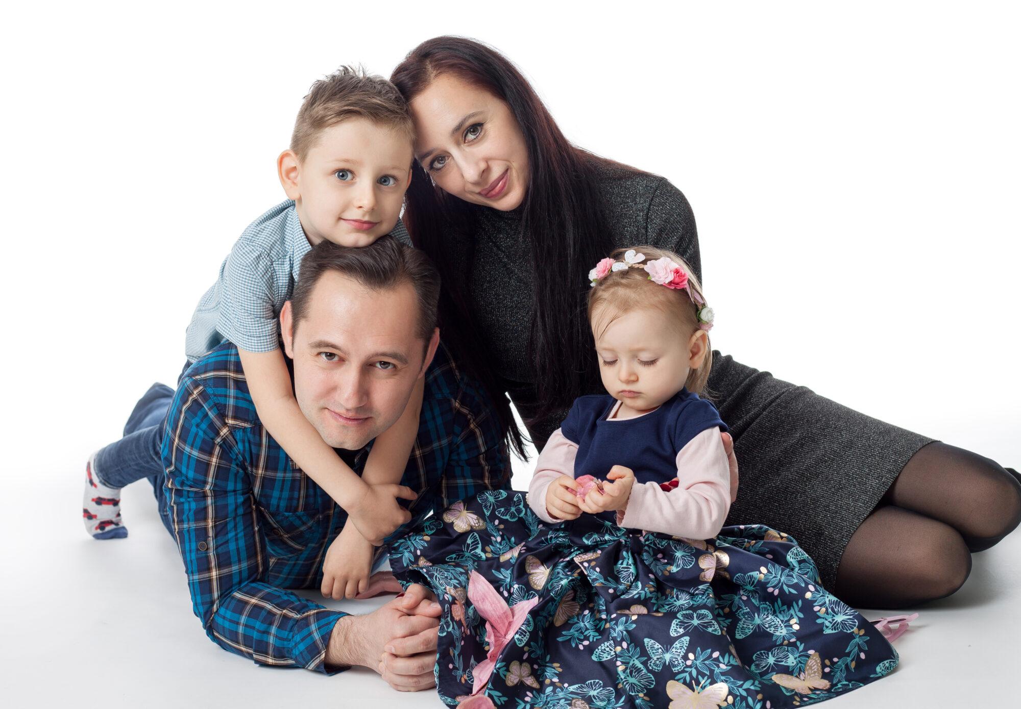 Семейството на Димитрина Младенова преди появата на най-малката и дъщеря